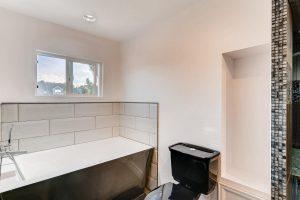 7435 Ivy Way Centennial CO-large-016-20-2nd Floor Master Bathroom-1500x1000-72dpi