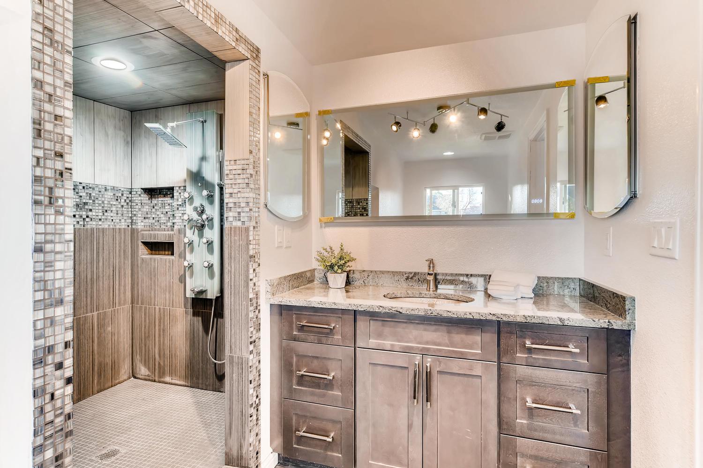 7435 Ivy Way Centennial CO-large-017-14-2nd Floor Master Bathroom-1500x1000-72dpi