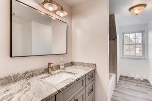 7435 Ivy Way Centennial CO-large-019-16-2nd Floor Bathroom-1500x1000-72dpi